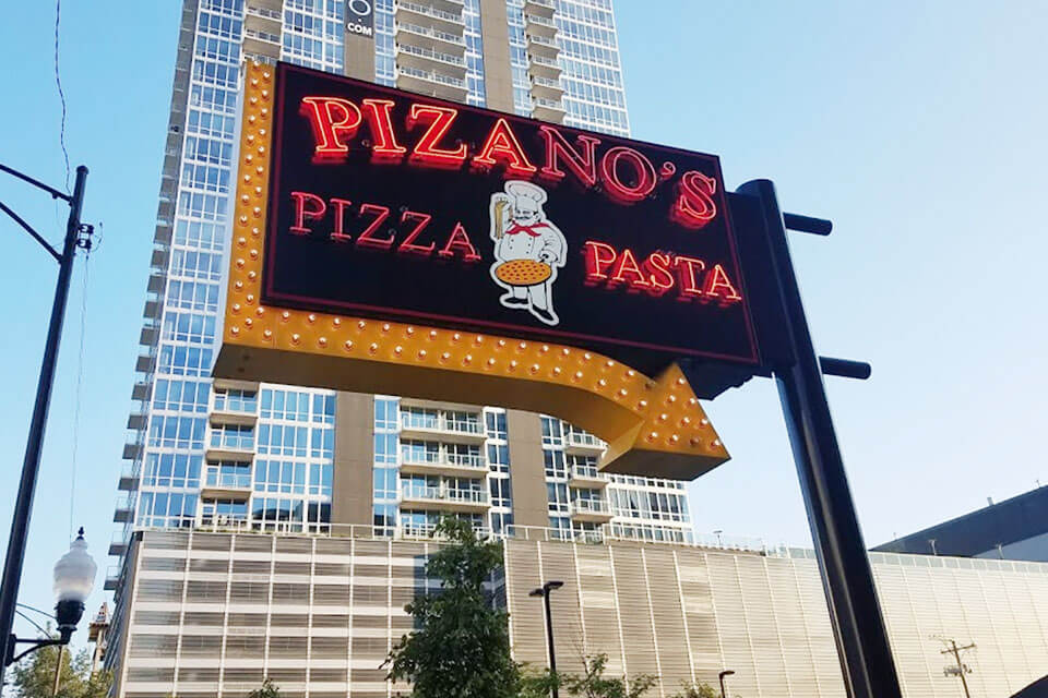 4-3-pizzanos-mccormick-place3